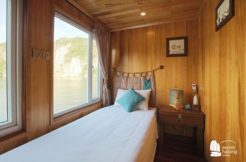 Superior Single Cabin